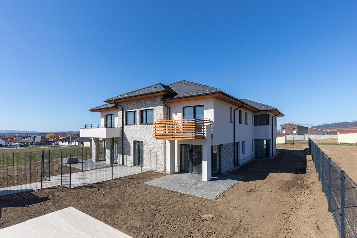 Családi ház építés referencia munka